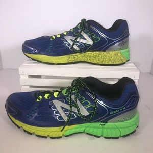 Size 10 New Balance running shoes.